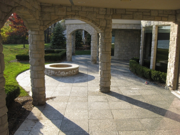 Professional Outdoor Fire Pits Installation Around Bloomfield Hills MI - SDS Stone Paving - 4a89cb_7c7834d633b44096aa9b316e83d28250