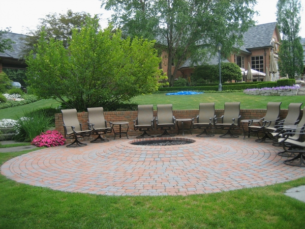 Professional Outdoor Fire Pits Installation Around Bloomfield Hills MI - SDS Stone Paving - 4a89cb_943cd972f62a499b96a04865d51cdb63